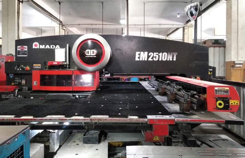 Automatic CNC Punching Machine bg